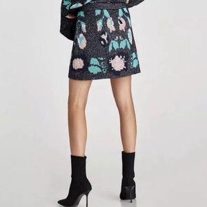 Zara Knit pull on jacquard metallic mini skirt